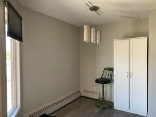 Photo 6: 403 8403 Fairmount Drive in Calgary: Acadia Apartment for sale : MLS®# A1019020