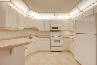 Photo 7: 201 9008 99 Avenue in Edmonton: Zone 13 Condo for sale : MLS®# E4209425