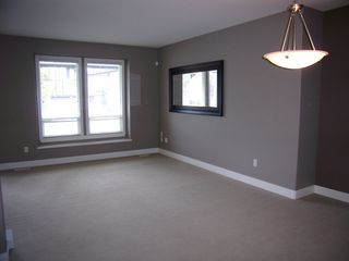 Photo 3: 19049 69TH Ave in Cloverdale: Clayton Home for sale ()  : MLS®# F1216846