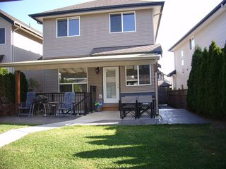Photo 2: 19049 69TH Ave in Cloverdale: Clayton Home for sale ()  : MLS®# F1216846