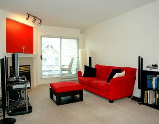 "Photo 2: 406 789 W 16TH Avenue in Vancouver: Fairview VW Condo for sale in ""SIXTEEN WILLOWS"" (Vancouver West)  : MLS®# V786726"