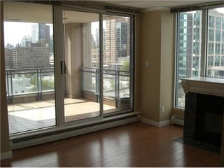 Photo 3: 1501 183 KEEFER Place in Vancouver: Downtown VW Condo for sale (Vancouver West)  : MLS®# V813475