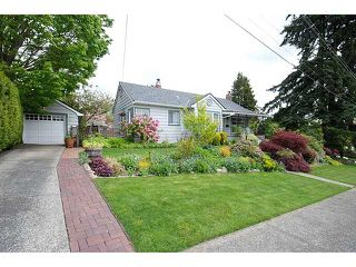 "Photo 1: 1839 HAMILTON Street in New Westminster: West End NW House for sale in ""WEST END"" : MLS®# V828961"