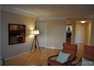 Photo 13: 202 945 McClure Street in VICTORIA: Vi Fairfield West Condo Apartment for sale (Victoria)  : MLS®# 287984