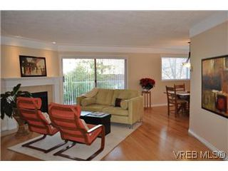 Photo 11: 202 945 McClure Street in VICTORIA: Vi Fairfield West Condo Apartment for sale (Victoria)  : MLS®# 287984