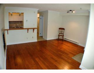 Photo 3: 5 1263 W 8TH Avenue in Vancouver: Fairview VW Townhouse for sale (Vancouver West)  : MLS®# V773393