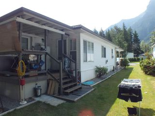 Photo 3: 9B 65367 KAWKAWA LAKE Road in Hope: Hope Kawkawa Lake Manufactured Home for sale : MLS®# R2394967