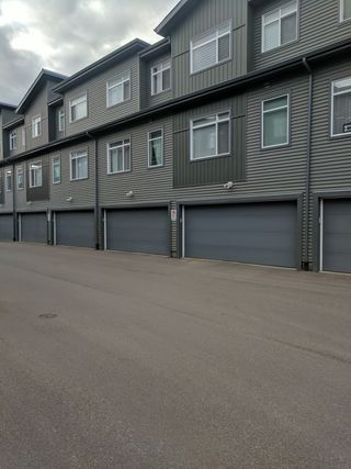 Photo 2: 17, 7503 Getty Gate in Edmonton: Townhouse for rent
