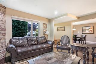 Photo 3: 9 33 Songhees Road in VICTORIA: VW Songhees Row/Townhouse for sale (Victoria West)  : MLS®# 420598