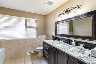 Photo 13: 9 33 Songhees Road in VICTORIA: VW Songhees Row/Townhouse for sale (Victoria West)  : MLS®# 420598