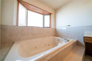 Photo 17: 43 Kingsborough Drive in Winnipeg: Linden Woods Residential for sale (1M)  : MLS®# 202001353