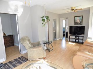 Photo 3: 914 O Avenue South in Saskatoon: King George Residential for sale : MLS®# SK803939