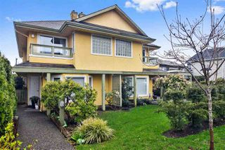 "Main Photo: 1 247 E 6TH Street in North Vancouver: Lower Lonsdale Townhouse for sale in ""LOWER LONSDALE"" : MLS®# R2448570"