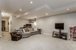 Photo 32: 1611 BROADVIEW Road NW in Calgary: Hillhurst Semi Detached for sale : MLS®# C4304798