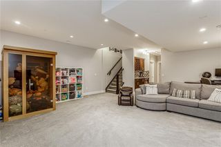 Photo 33: 1611 BROADVIEW Road NW in Calgary: Hillhurst Semi Detached for sale : MLS®# C4304798