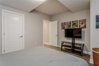 Photo 30: 1611 BROADVIEW Road NW in Calgary: Hillhurst Semi Detached for sale : MLS®# C4304798