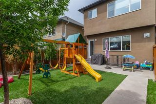 Photo 36: 1611 BROADVIEW Road NW in Calgary: Hillhurst Semi Detached for sale : MLS®# C4304798