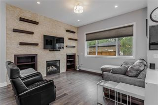 Photo 8: 1611 BROADVIEW Road NW in Calgary: Hillhurst Semi Detached for sale : MLS®# C4304798
