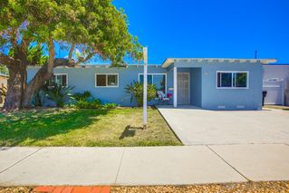 Photo 2: CLAIREMONT House for sale : 4 bedrooms : 3124 Haidas Ave in San Diego