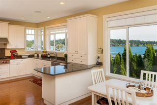Photo 10: 2731 Hibbens Close in : SE Cadboro Bay House for sale (Saanich East)  : MLS®# 854683