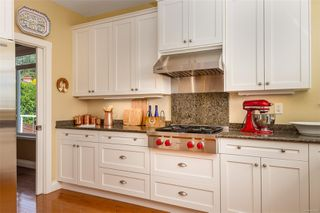 Photo 9: 2731 Hibbens Close in : SE Cadboro Bay House for sale (Saanich East)  : MLS®# 854683