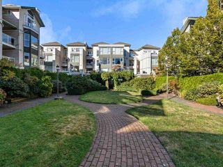 """Photo 15: 301 3480 MAIN Street in Vancouver: Main Condo for sale in """"THE NEWPORT"""" (Vancouver East)  : MLS®# R2503880"""