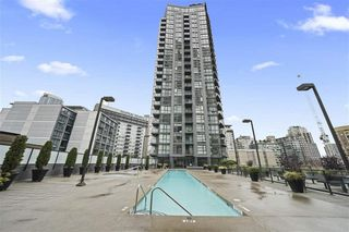 """Photo 17: 1704 1155 SEYMOUR Street in Vancouver: Downtown VW Condo for sale in """"The Brava"""" (Vancouver West)  : MLS®# R2508018"""