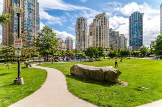 """Photo 29: 1704 1155 SEYMOUR Street in Vancouver: Downtown VW Condo for sale in """"The Brava"""" (Vancouver West)  : MLS®# R2508018"""