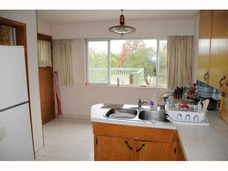 """Photo 6: 1351 E 49TH Avenue in Vancouver: Knight House for sale in """"SOUTH VANCOUVER"""" (Vancouver East)  : MLS®# V792798"""