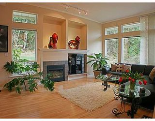 Photo 4: 8 MOSSOM CREEK Drive in Port_Moody: North Shore Pt Moody House 1/2 Duplex for sale (Port Moody)  : MLS®# V762195