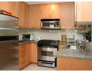 """Photo 4: 104 4885 VALLEY Drive in Vancouver: Quilchena Condo for sale in """"Maclure House"""" (Vancouver West)  : MLS®# V774393"""