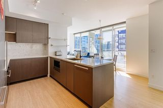 Photo 4: 915 3233 KETCHESON Road in Richmond: West Cambie Condo for sale : MLS®# R2420666