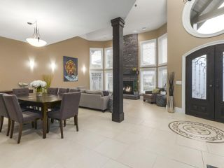 Photo 2: 5330 BENTLEY CRESCENT in Delta: Hawthorne House for sale (Ladner)  : MLS®# R2447907