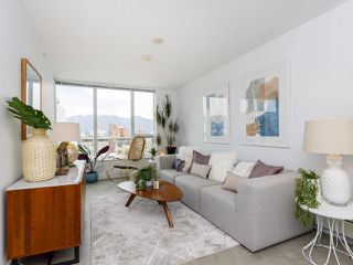 """Main Photo: 702 231 E PENDER Street in Vancouver: Strathcona Condo for sale in """"Framework"""" (Vancouver East)  : MLS®# R2483412"""
