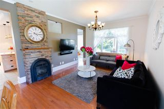 "Photo 3: 715 FOURTH Street in New Westminster: GlenBrooke North House for sale in ""Glenbrooke North"" : MLS®# R2492416"