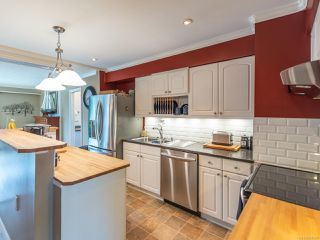 Photo 2: 640 19th St in : CV Courtenay City House for sale (Comox Valley)  : MLS®# 856336