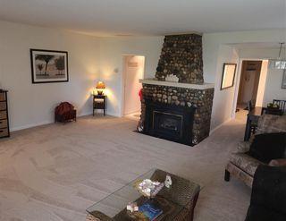 """Photo 3: 1403 BEACH GROVE Road in Tsawwassen: Beach Grove House for sale in """"BEACH GROVE"""" : MLS®# R2502144"""