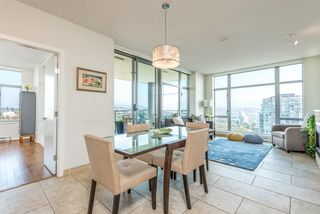 "Photo 2: 2002 280 ROSS Drive in New Westminster: Fraserview NW Condo for sale in ""THE CARLYLE"" : MLS®# R2504994"
