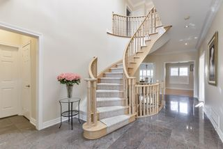 Photo 2: 17 Mumberson Court in Markham: Cachet Freehold for sale : MLS®# N4811542