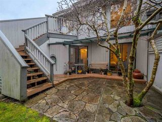 Photo 3: 9 5753 WHARF Avenue in Sechelt: Sechelt District Townhouse for sale (Sunshine Coast)  : MLS®# R2522010