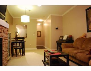 """Photo 2: 402 6742 STATION HILL Court in Burnaby: South Slope Condo for sale in """"WYNDHAM COURT"""" (Burnaby South)  : MLS®# V798105"""