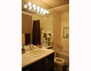 """Photo 9: 402 6742 STATION HILL Court in Burnaby: South Slope Condo for sale in """"WYNDHAM COURT"""" (Burnaby South)  : MLS®# V798105"""
