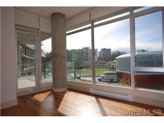 Photo 2: N209 737 Humboldt Street in VICTORIA: Vi Downtown Condo Apartment for sale (Victoria)  : MLS®# 274318