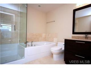 Photo 8: N209 737 Humboldt Street in VICTORIA: Vi Downtown Condo Apartment for sale (Victoria)  : MLS®# 274318