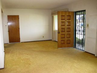 Photo 5: LEMON GROVE House for sale : 3 bedrooms : 1679 Watwood Road