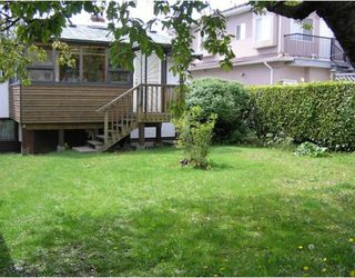 Photo 9: 3261 AUSTREY Avenue in Vancouver: Collingwood VE House for sale (Vancouver East)  : MLS®# V761130