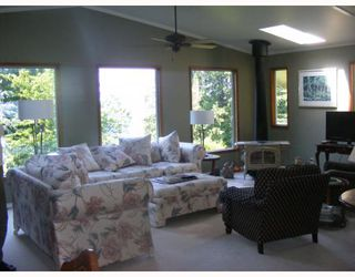 """Photo 5: 1459 GOWER POINT Road in Gibsons: Gibsons & Area House for sale in """"Gower Point"""" (Sunshine Coast)  : MLS®# V770276"""