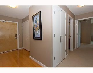 "Photo 3: 2201 120 MILROSS Avenue in Vancouver: Mount Pleasant VE Condo for sale in ""Brighton"" (Vancouver East)  : MLS®# V772132"