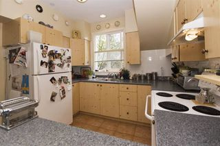 Photo 6: : Vancouver House for rent : MLS®# AR112A