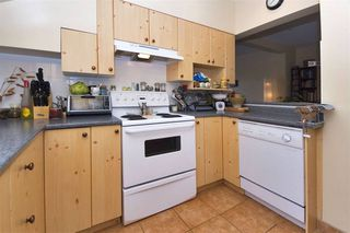 Photo 7: : Vancouver House for rent : MLS®# AR112A